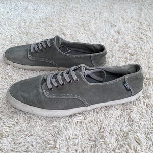 Vans E-street distressed sneakers